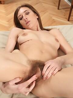 Hairy Girls Pics